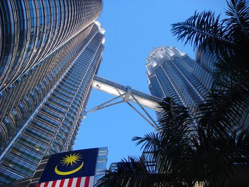 http://www.runningmaps.eu/local/cache-vignettes/L490xH368/Kuala_Lumpur_KLCC_park1-7821c.jpg